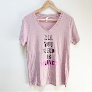 ALTERNATIVE graphic all you need is love tee S